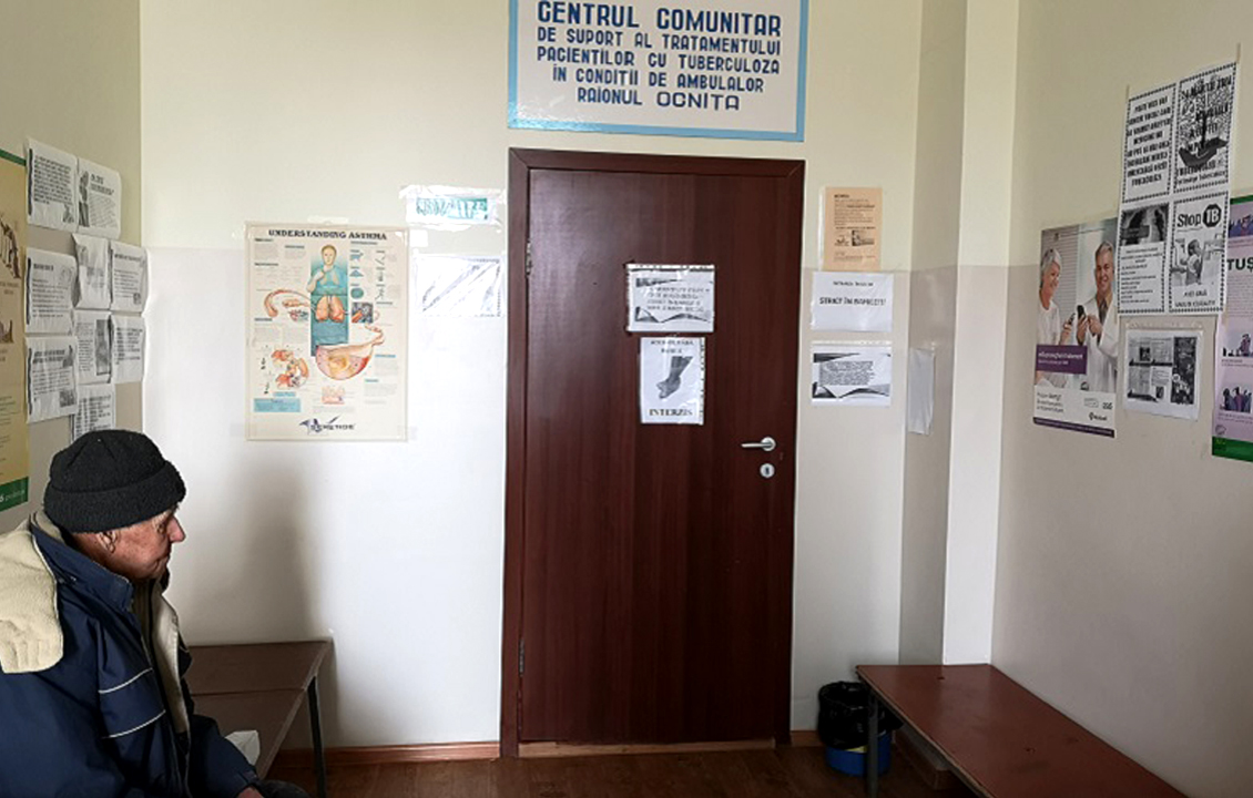 """Cine în Moldova îi ajută pe bolnavii de tuberculoză să se trateze până la capăt. """"M-a ajutat foarte mult doamna Polina. Acum sunt om în rând cu lumea"""""""